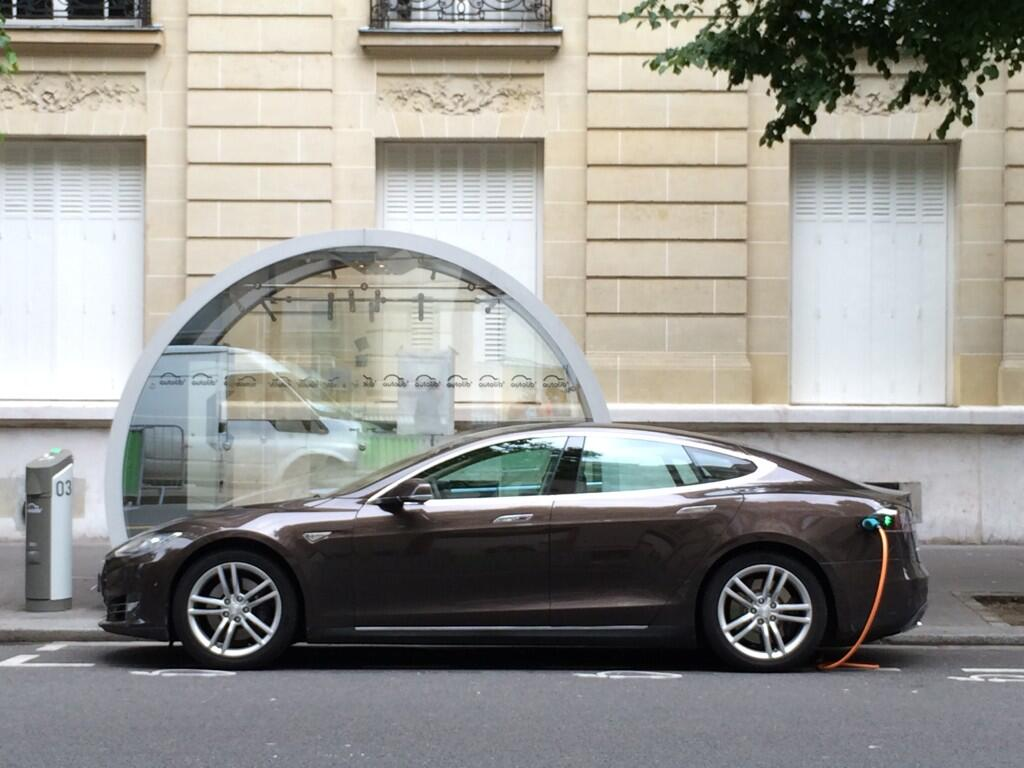 Tesla-paris-autolib