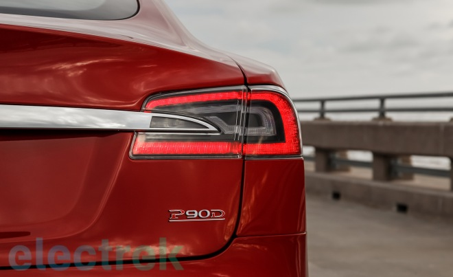 2015 Tesla Model S P85D Stoplamps and Logo