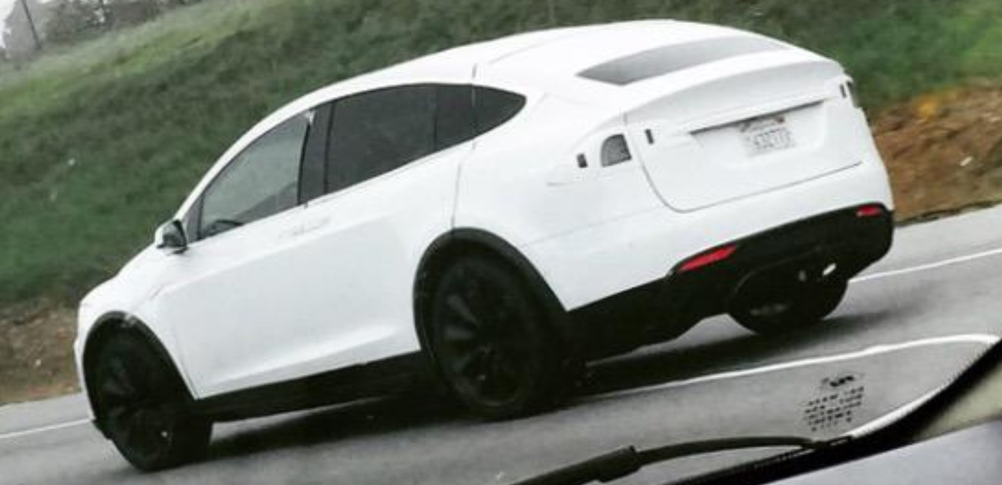tesla-model-x-testing-on-california-road-mar-2015-twitter-modelxnews_100505193_h