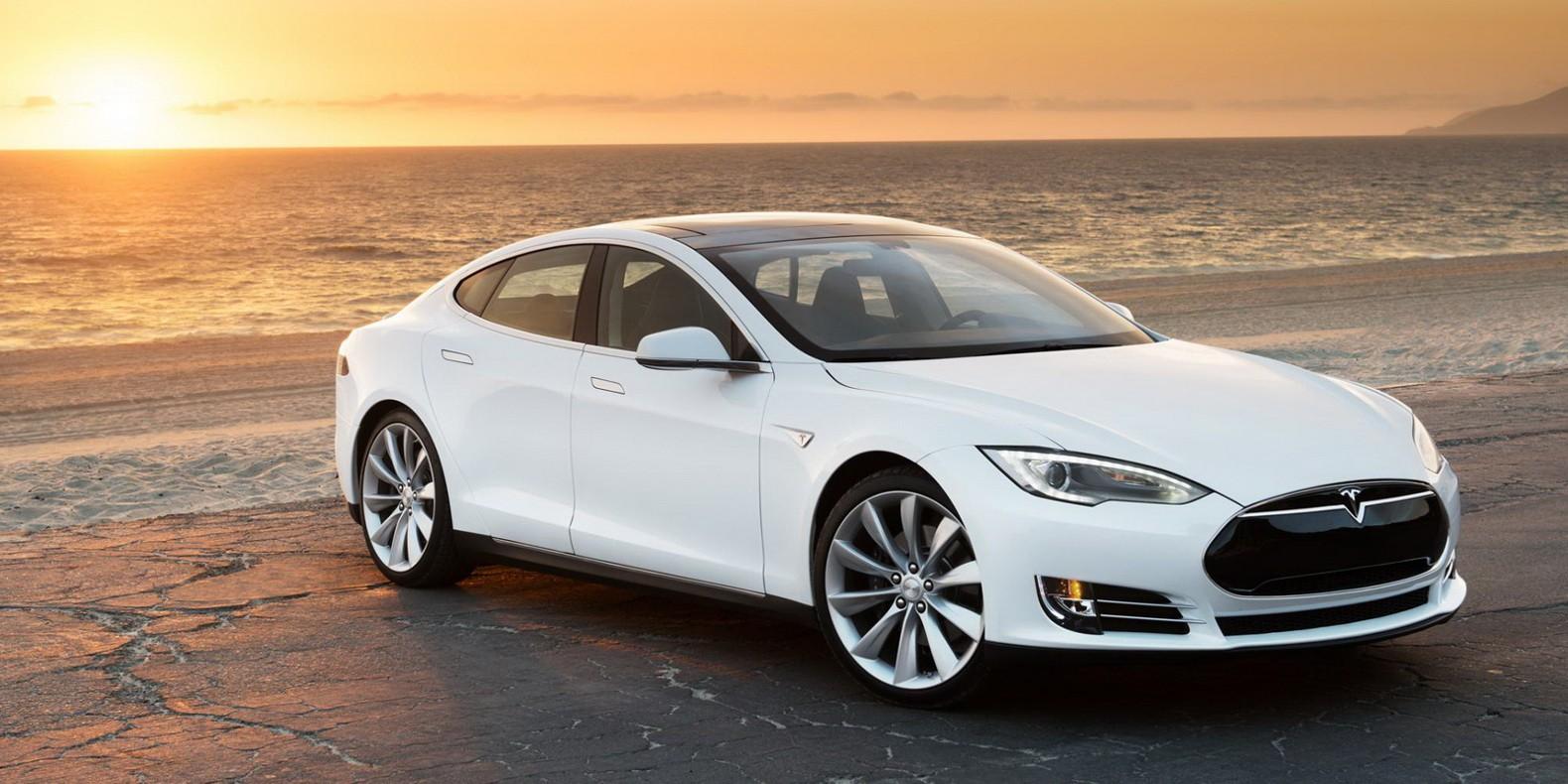 2015-Tesla-Model-S-P85D-consumer-reports-score