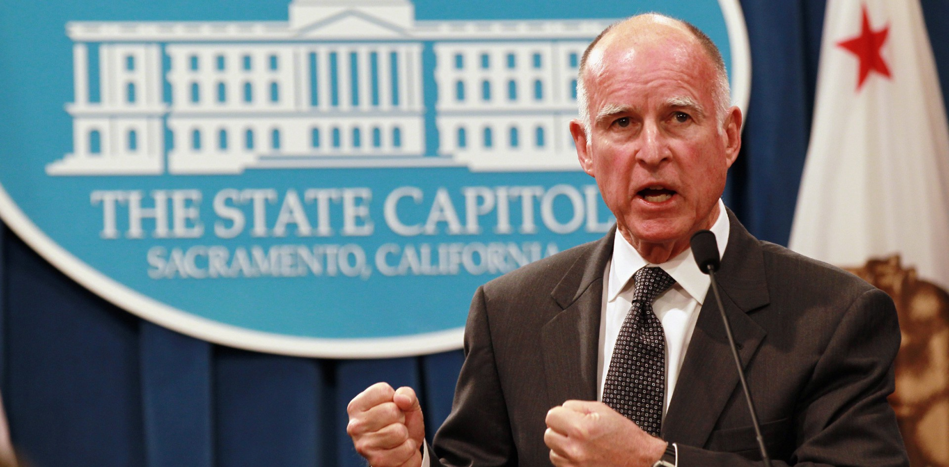 filephoto-jerry-brown-governor