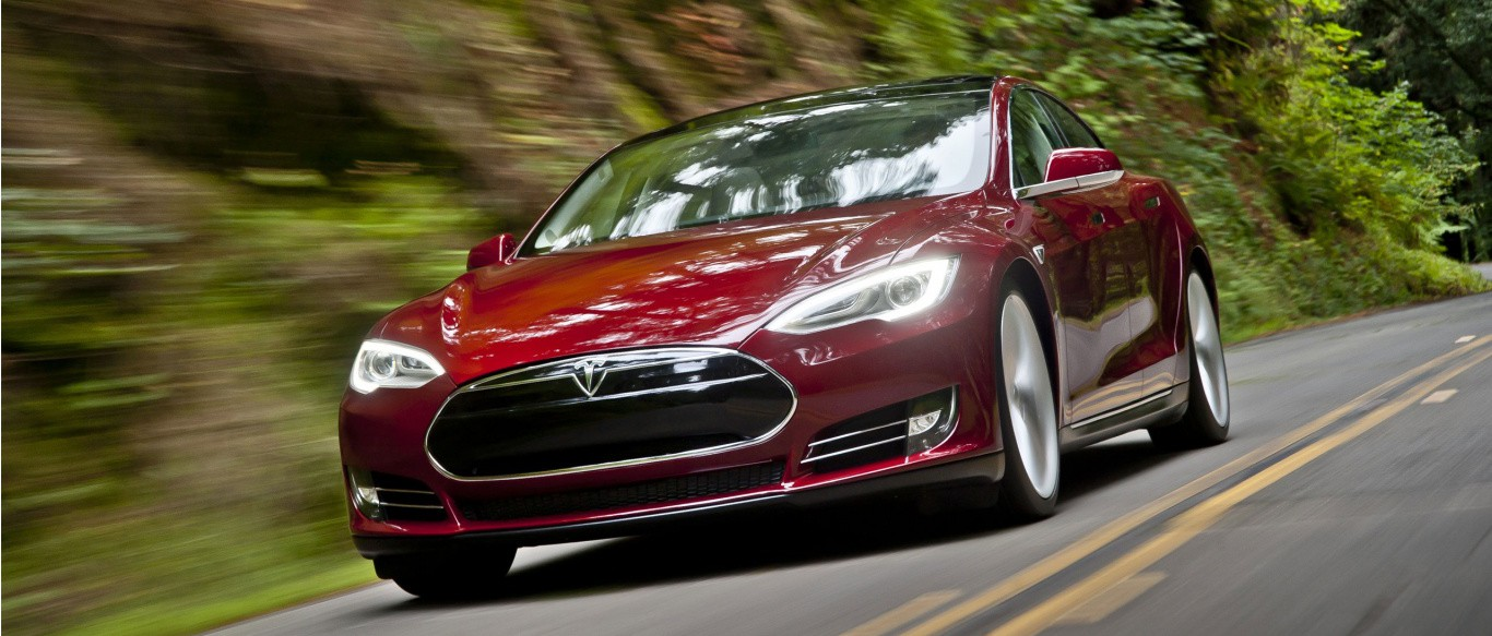 tesla-model-s-in-action