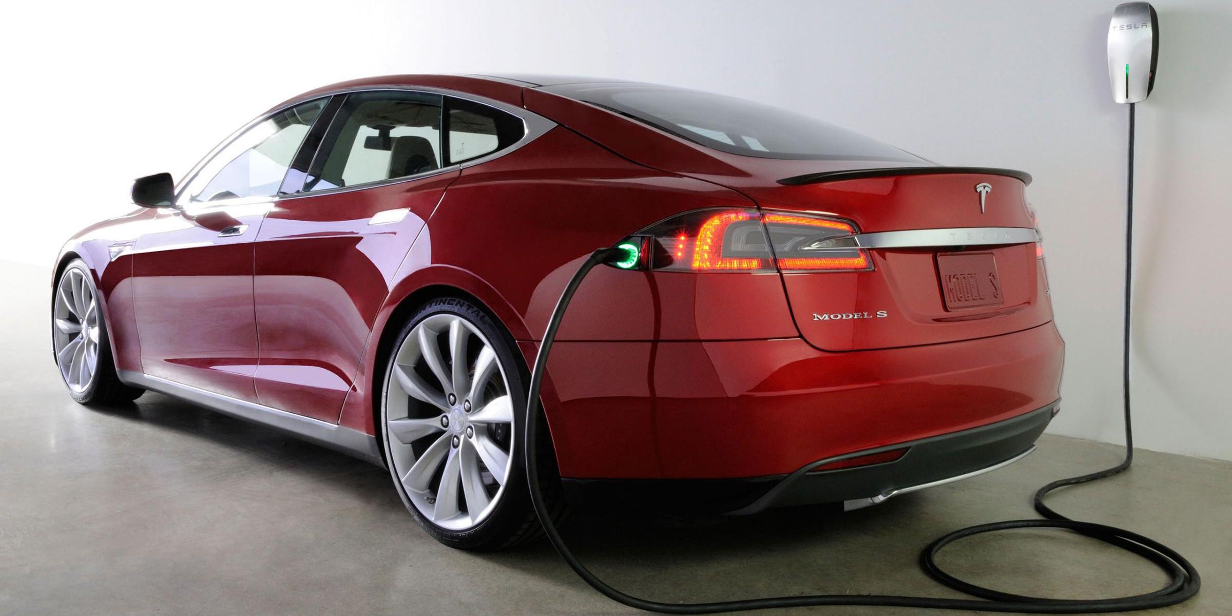 Tesla-Wall-Charger