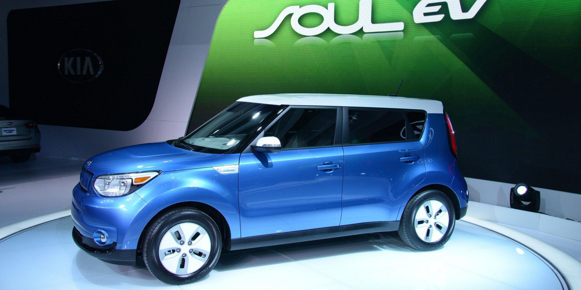 2018 Kia Soul Ev Gets A Battery Upgrade To Bring The Range Over 100 Miles