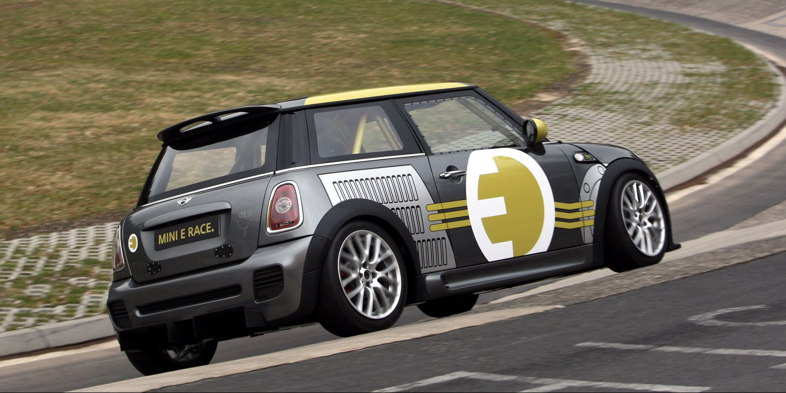 MINI-E-RACE-Ring-4