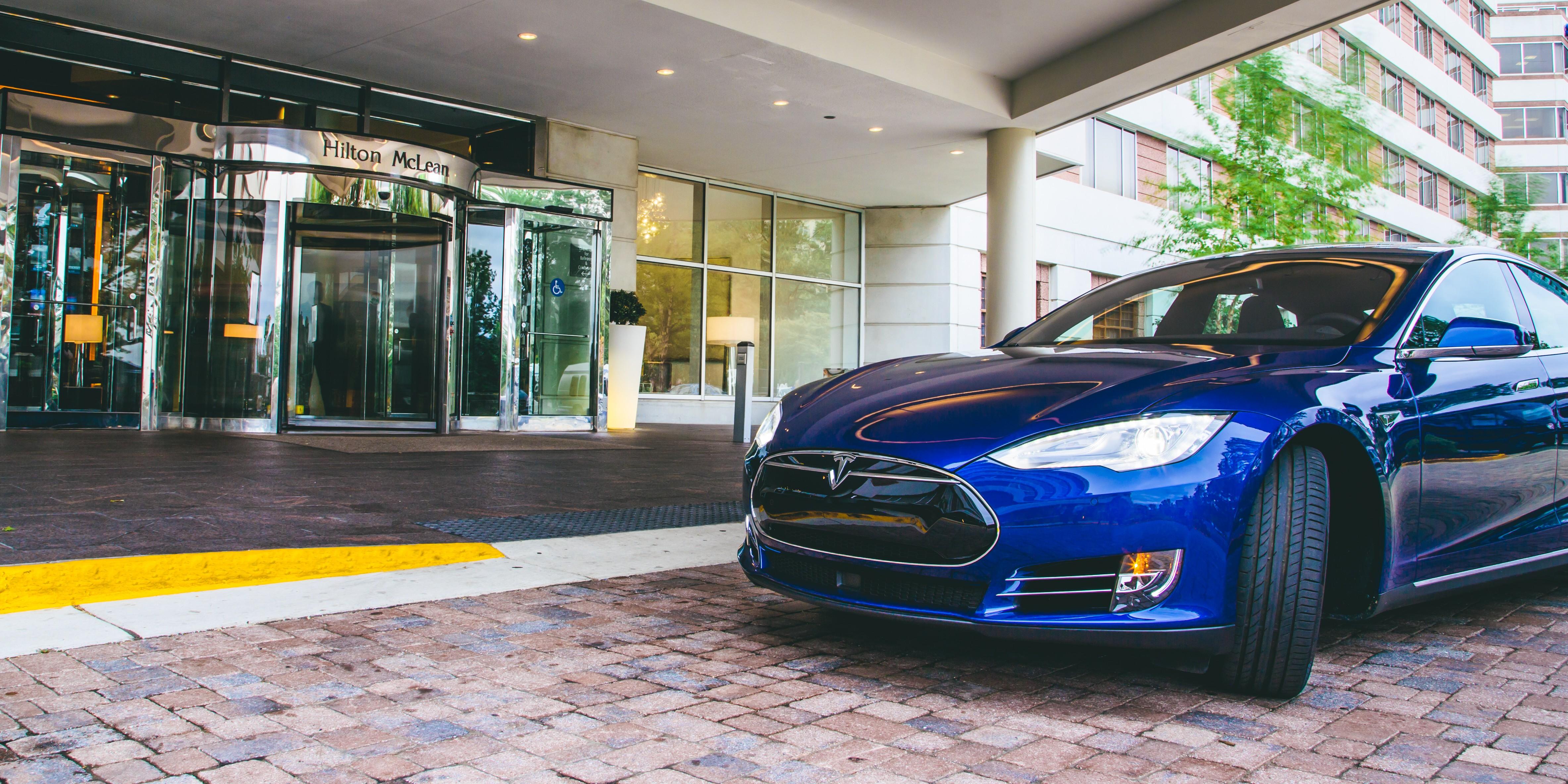 Tesla_at_Hilton_McLean_1