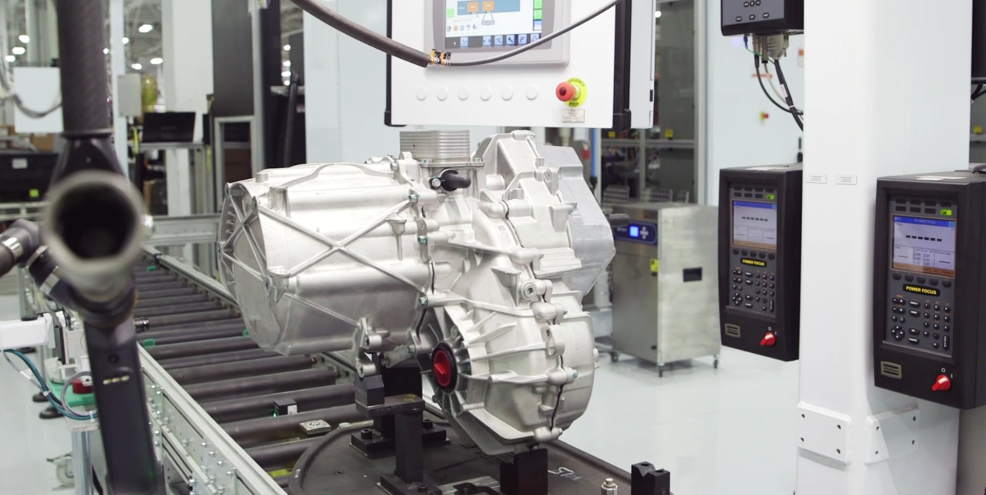 Tesla upgrades its electric motor on the road to have