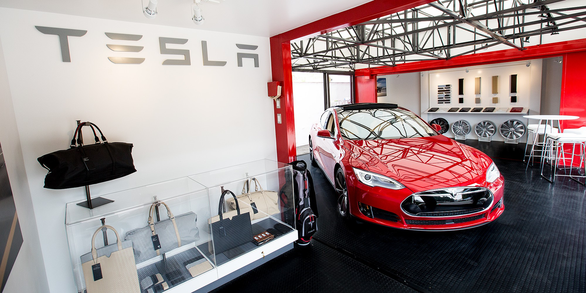 pop up store tesla