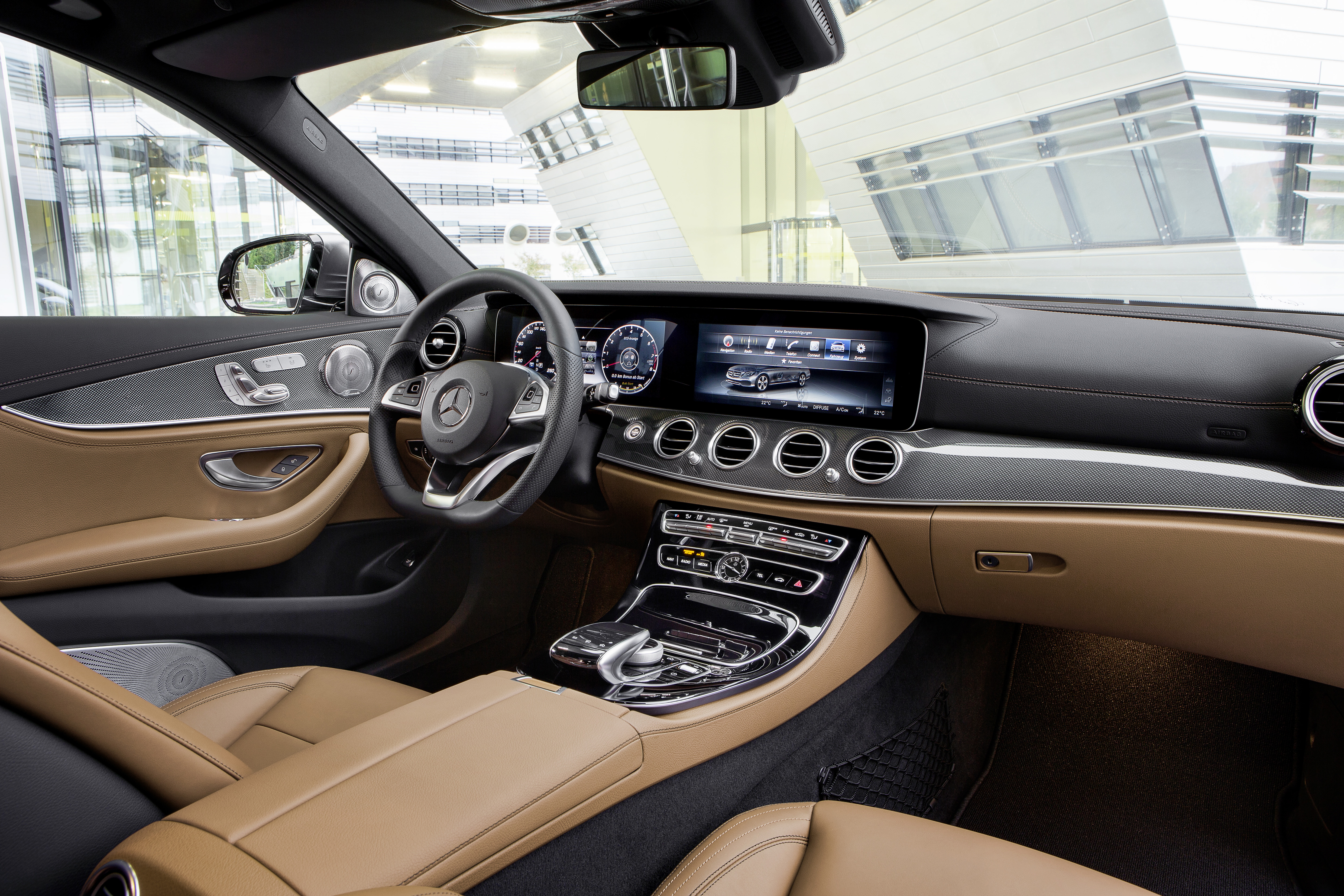 Mercedes Unveils Its 2017 E Cl 350e Plug In Hybrid With 18 Miles