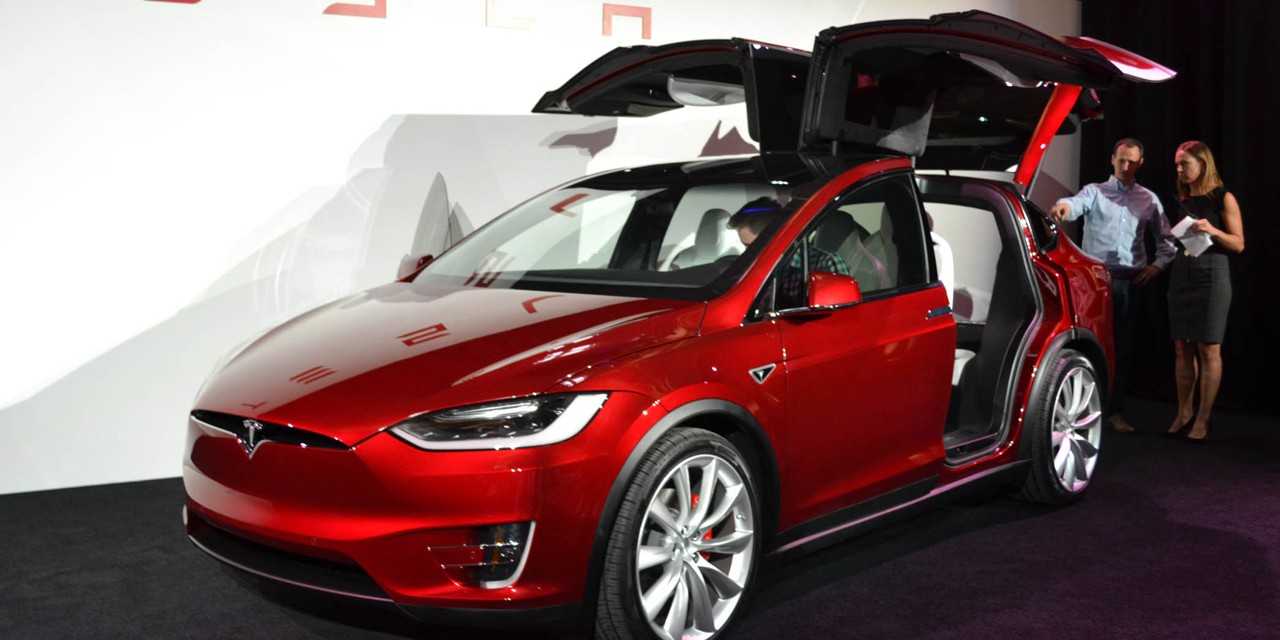"Tesla opens orders for the Model X in China with ""Signature Red ..."