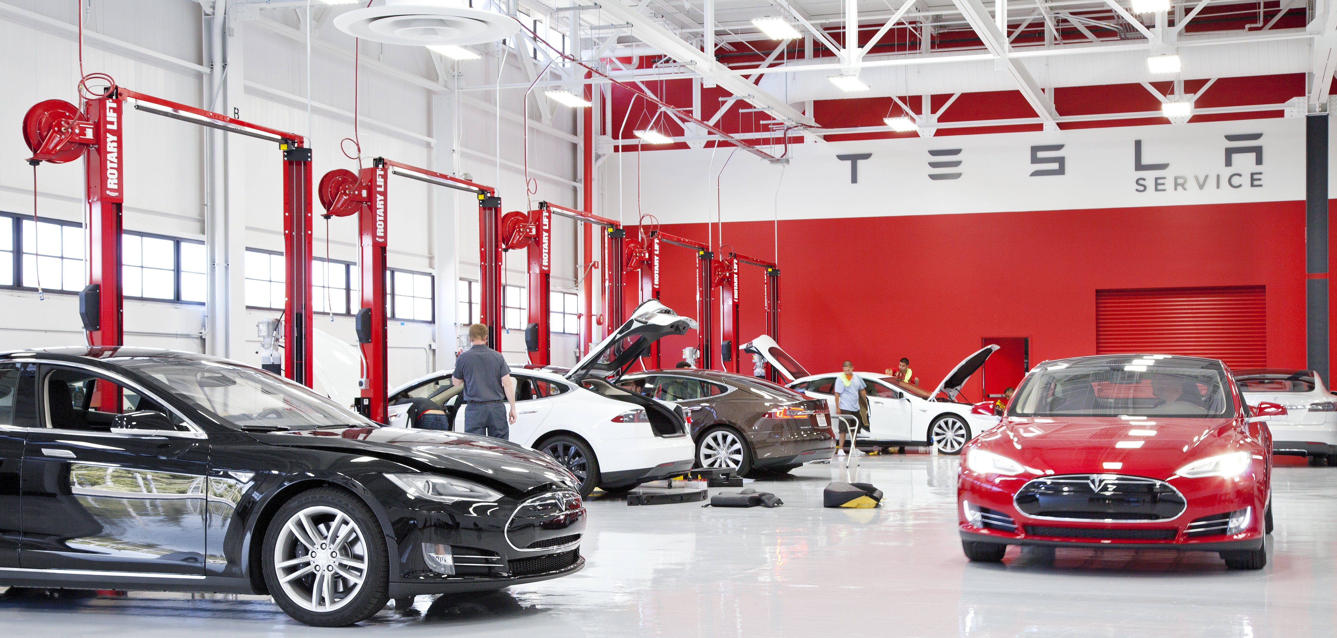 Tesla To Open Its Own Body Shops By The End Of The Month