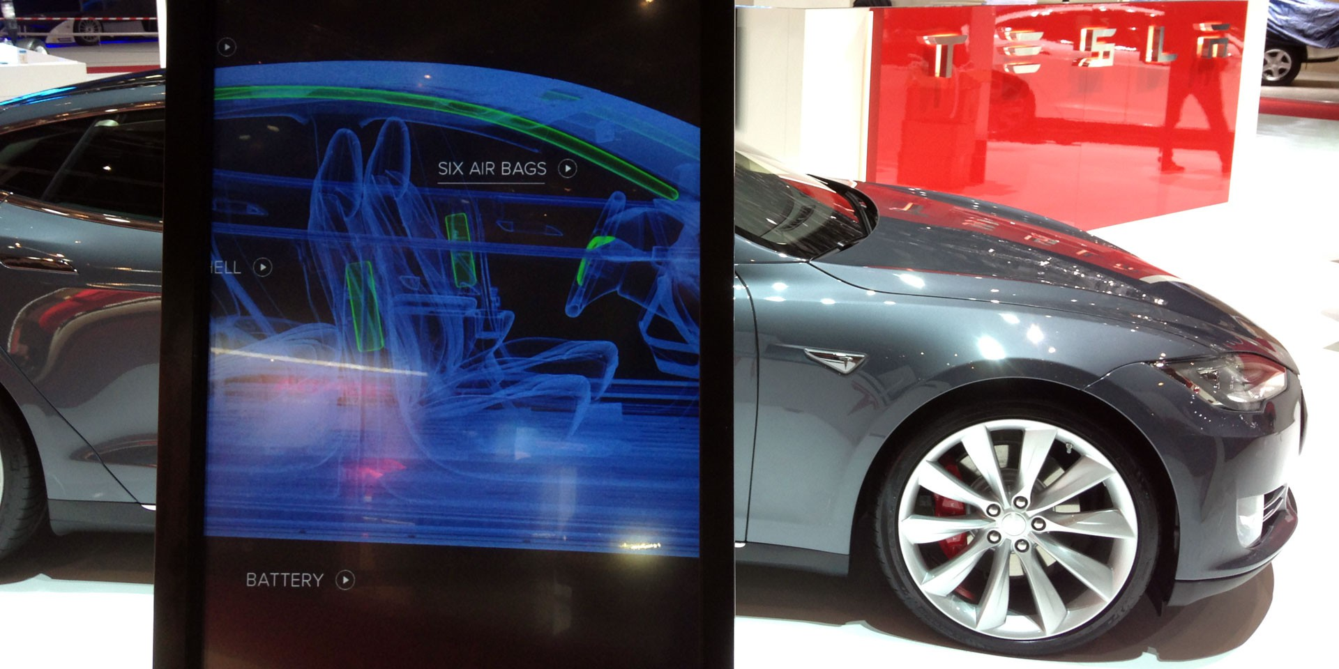 Tesla car software