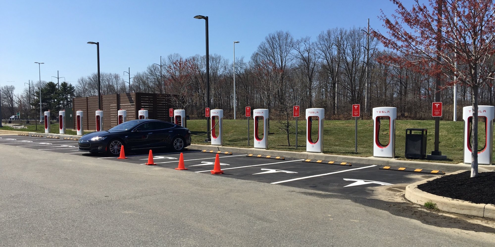 Tesla-supercharger-newark