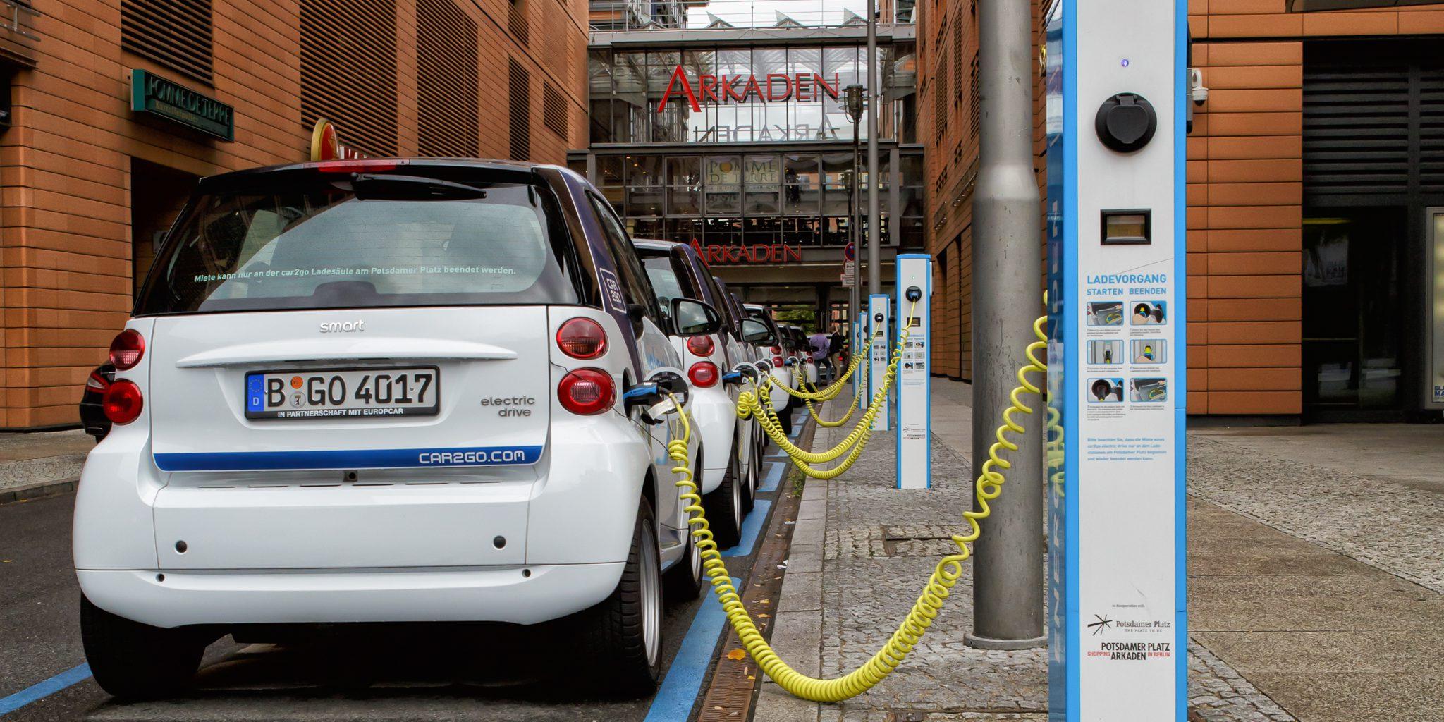 Berlin_-_Potsdamer_Platz_-_E-Mobility-Charging