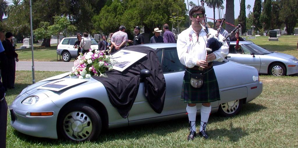 EV1_funeral_DSCN8571
