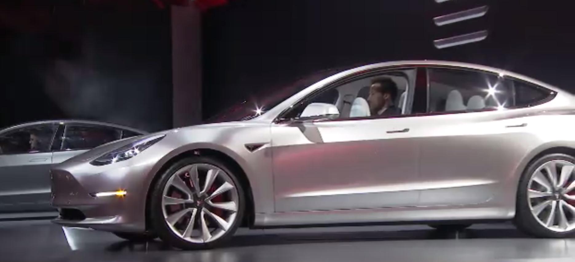 Tesla Model 3 Unveil 🔊 2016-03-31 22-55-29