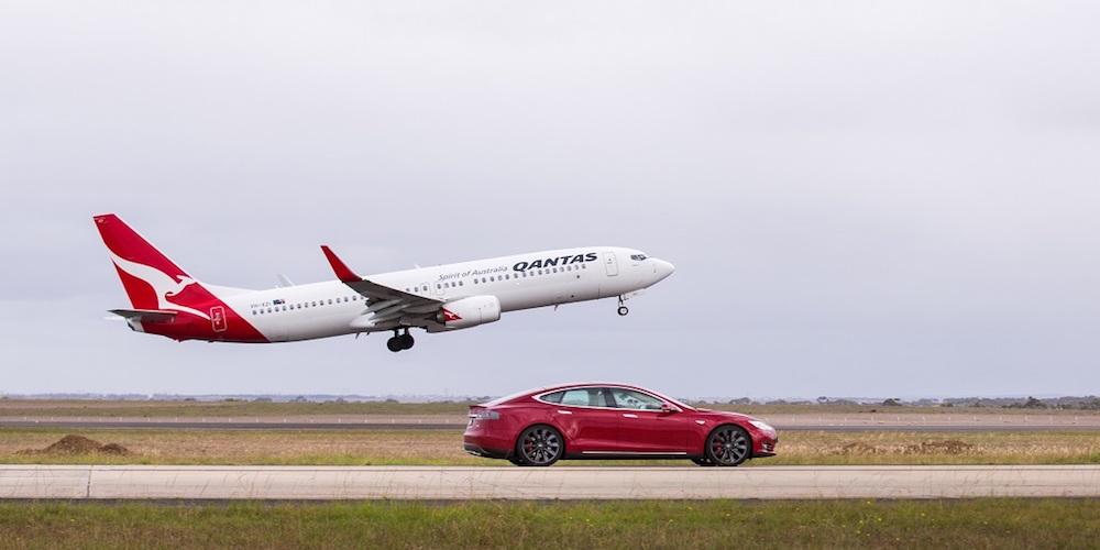 Tesla-vs-Qantas-jet