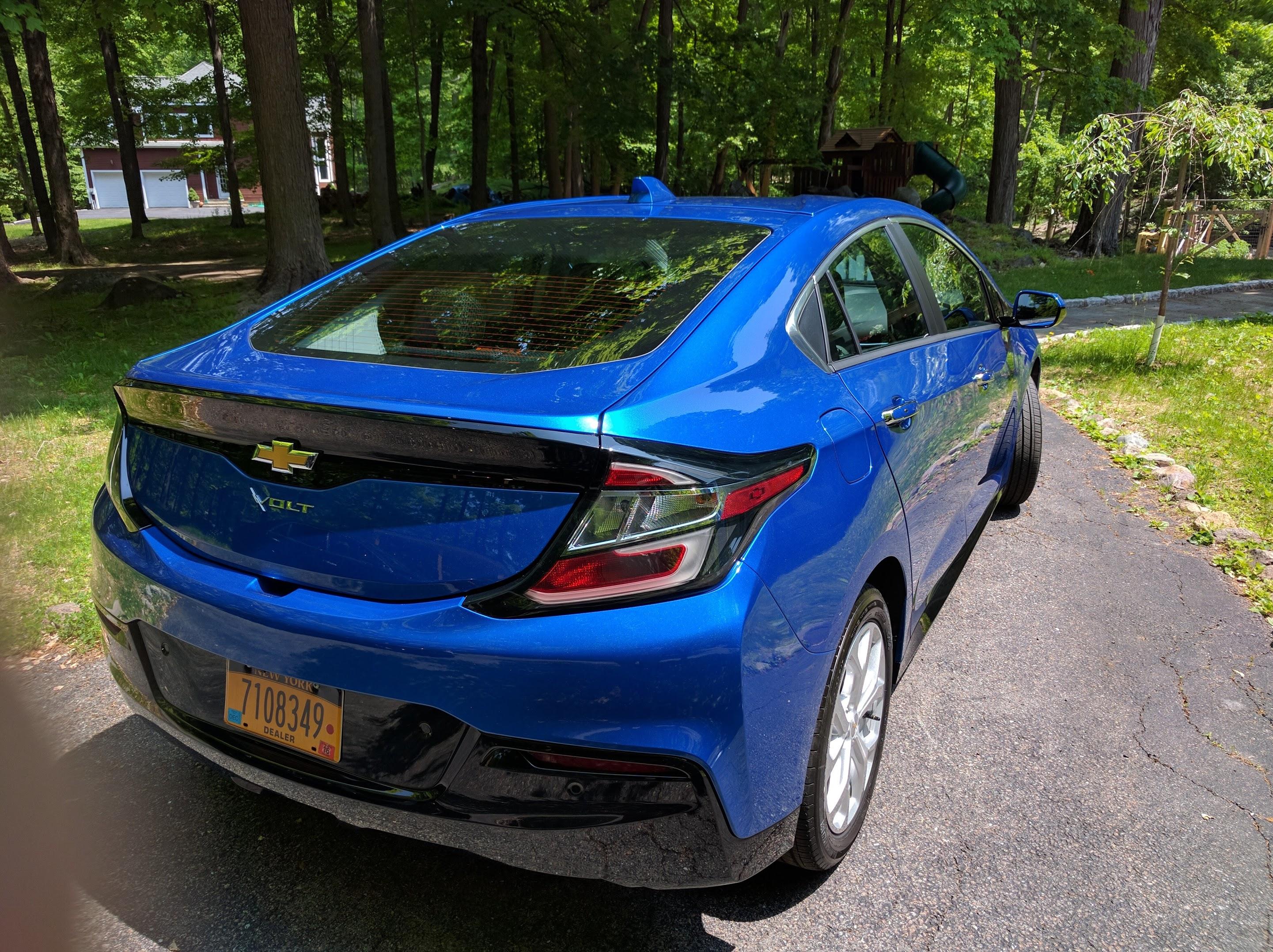 2017-Chevy-volt
