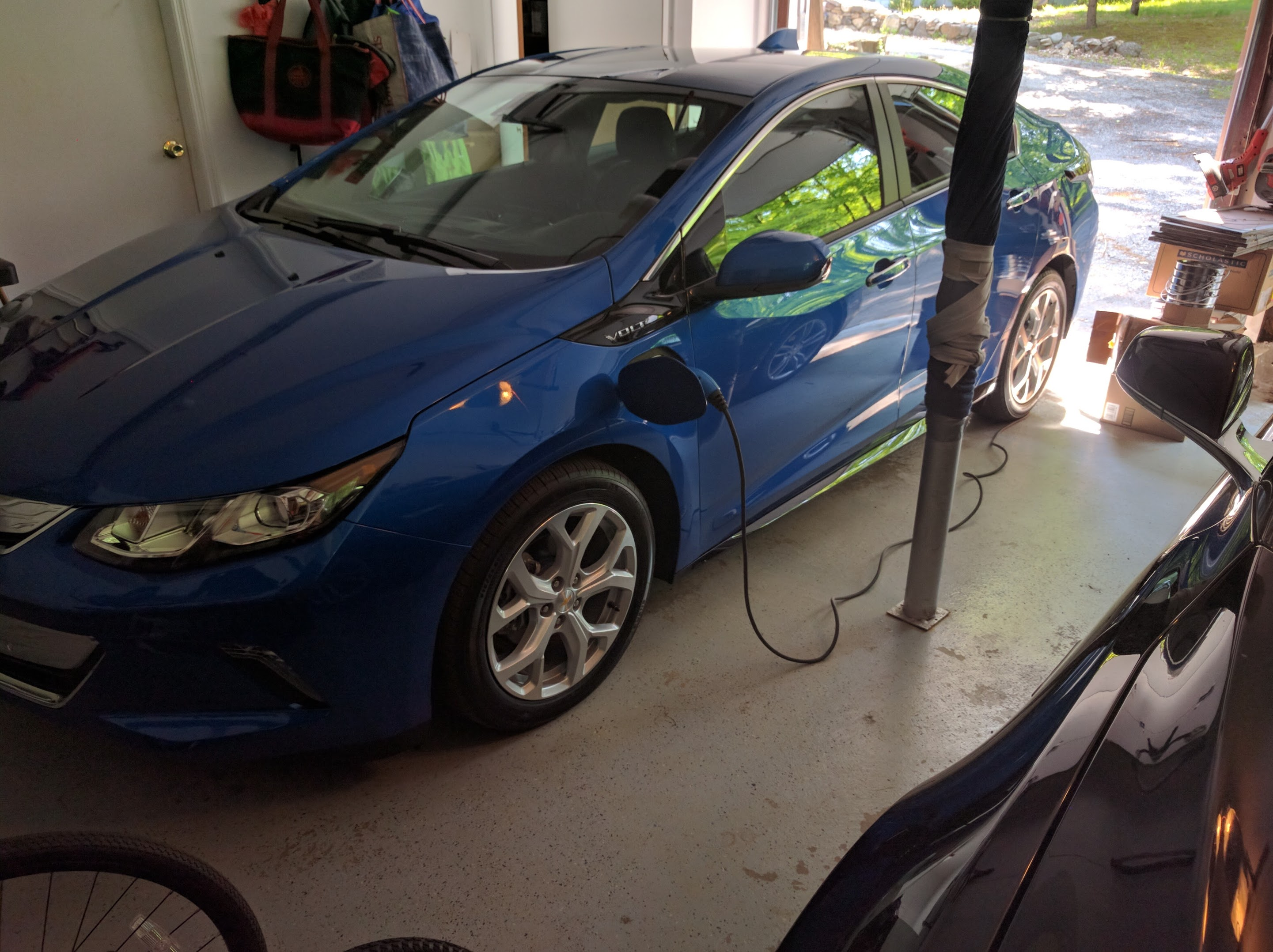 Charging-Chevy-Volt