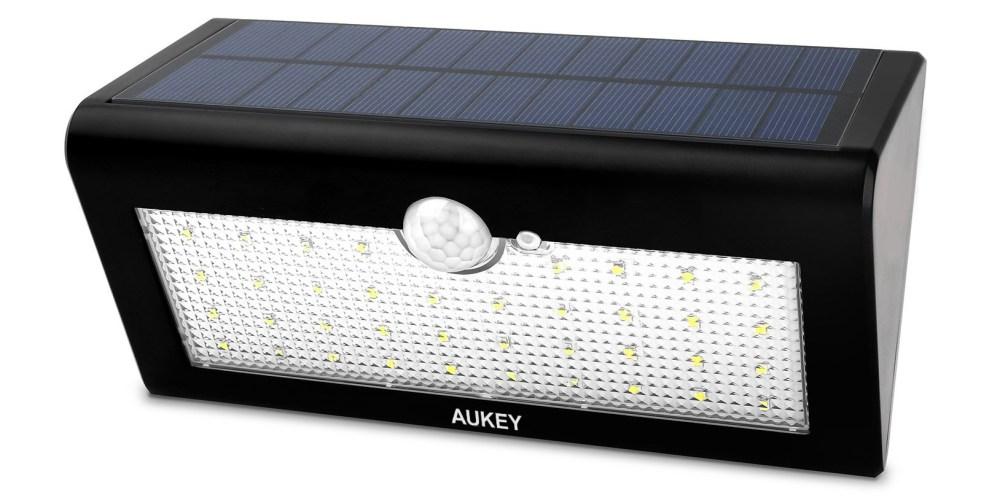 aukey-solar-light