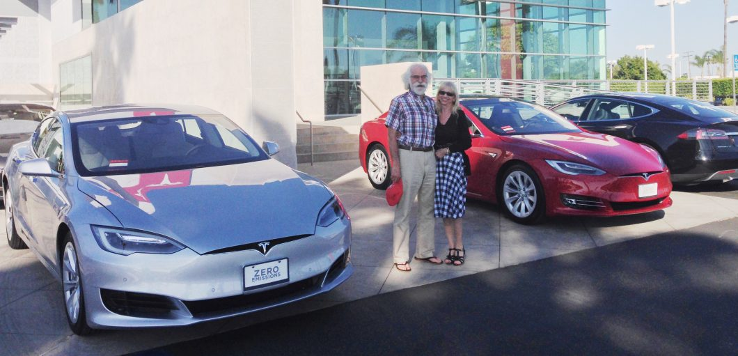 Tesla is trying to convince Model 3 reservation holders to ...