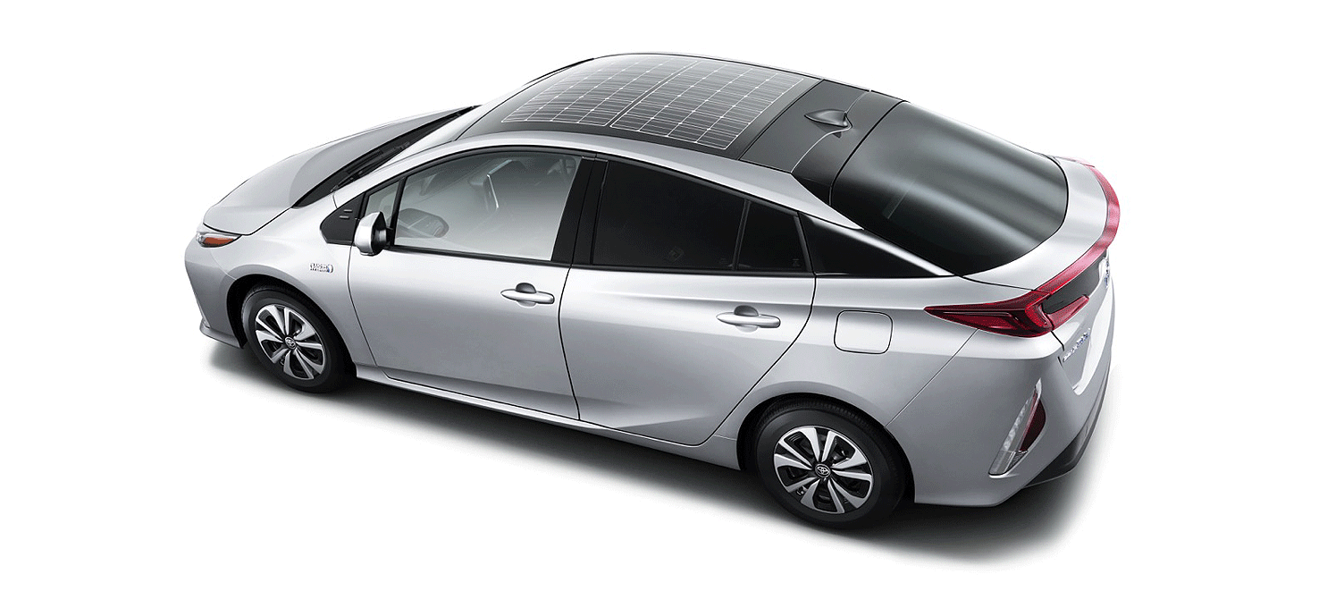Prius Solar Roof >> Toyota Brings Back The Solar Panel On The Plug In Prius