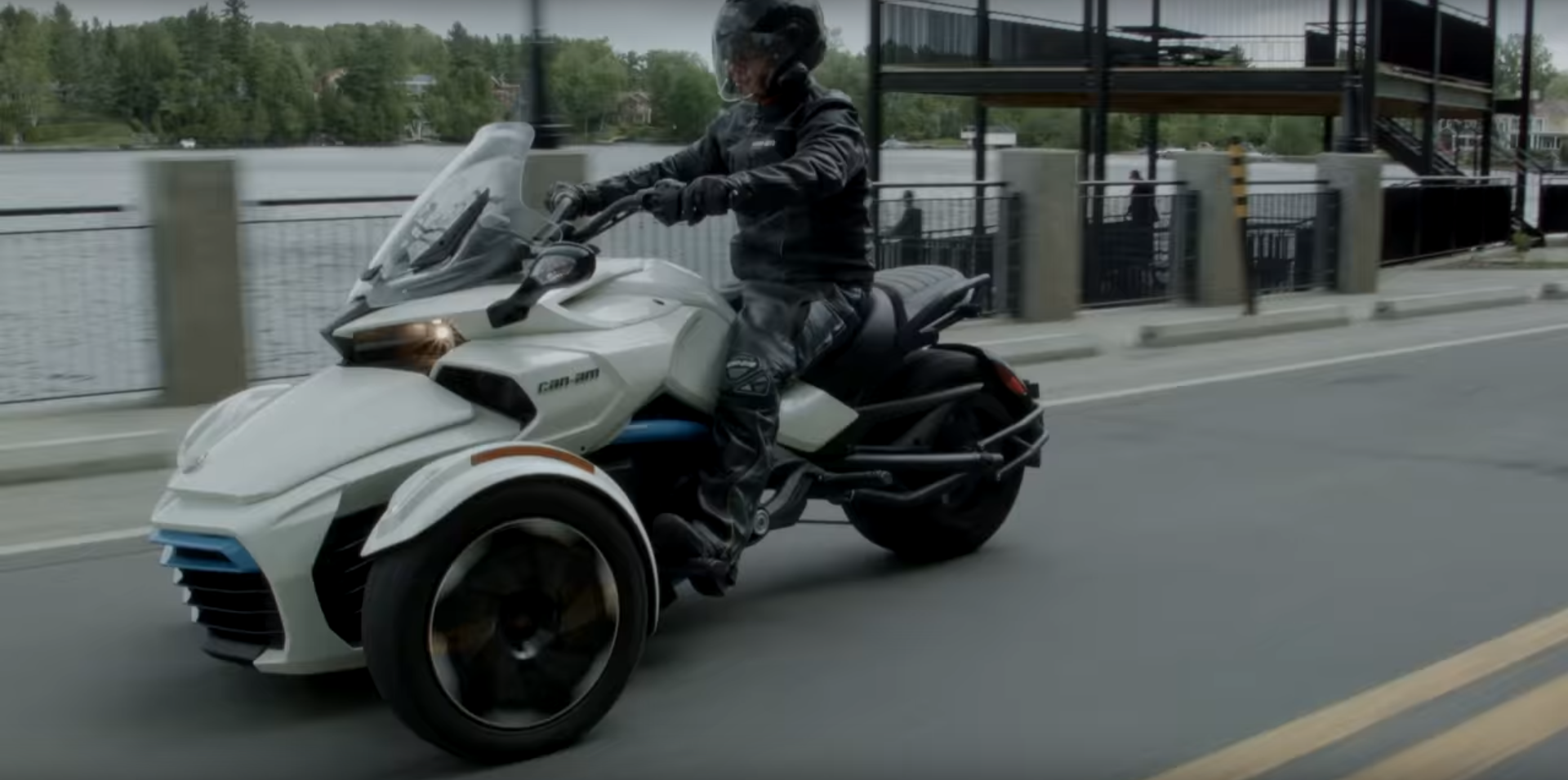 electric Can-Am spyder 3
