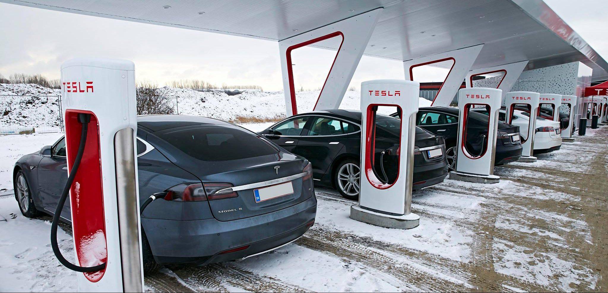 Tesla_SuperchargingStation_balkans