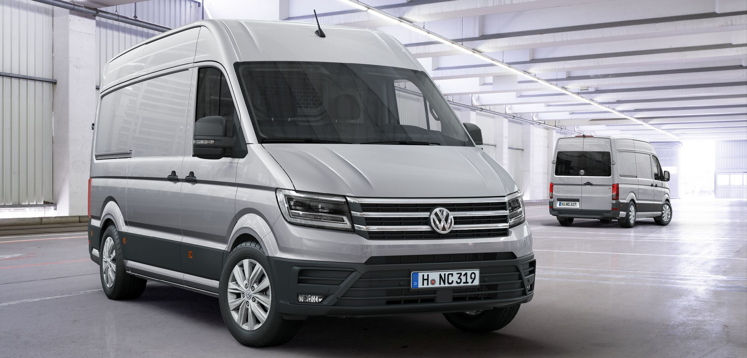 new-2017-volkswagen-crafter-debuts-with-fwd-option-and-class-leading-features_1