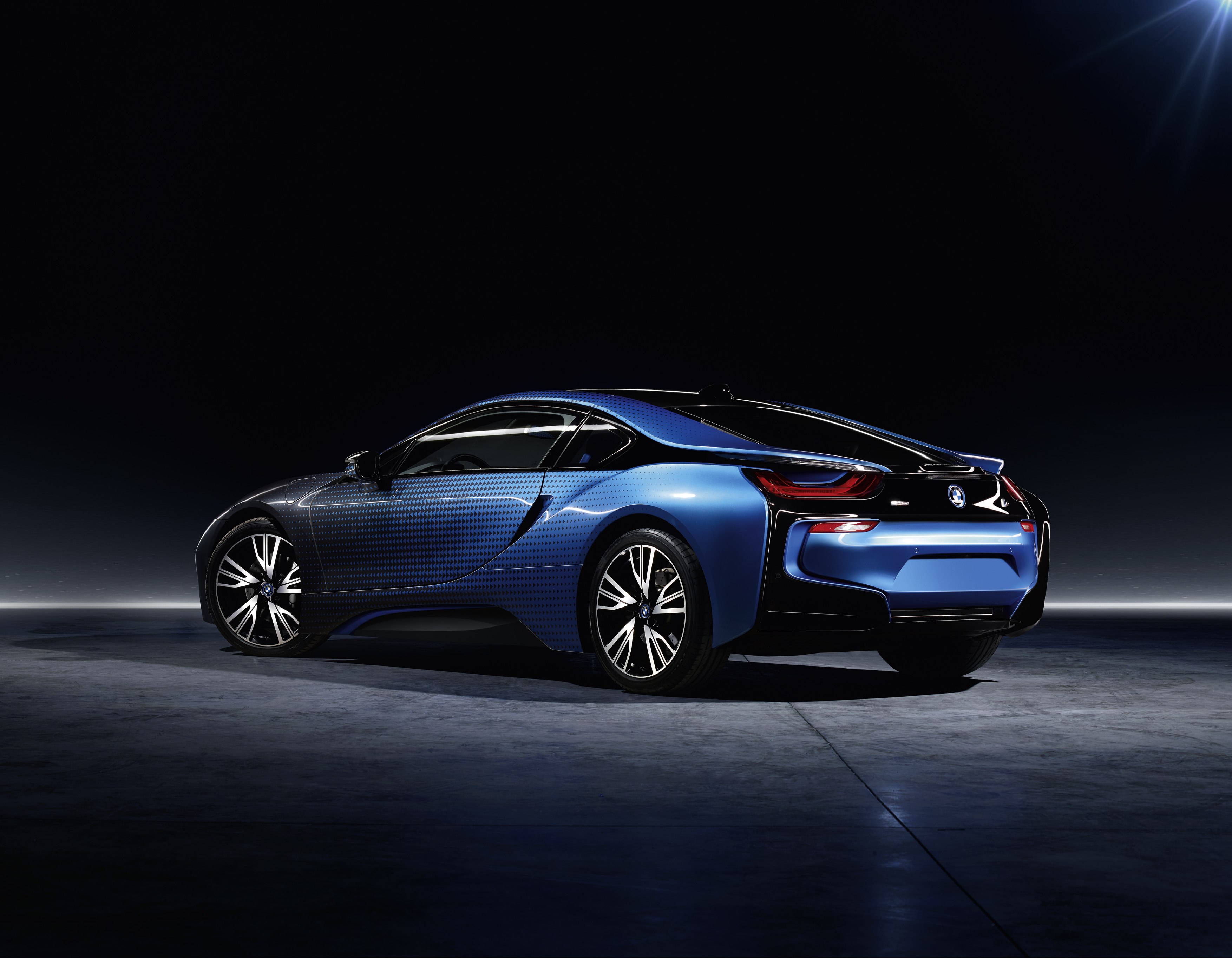 Bmw Unveils New I3 And I8 Editions With Crossfade Paint Job Electrek