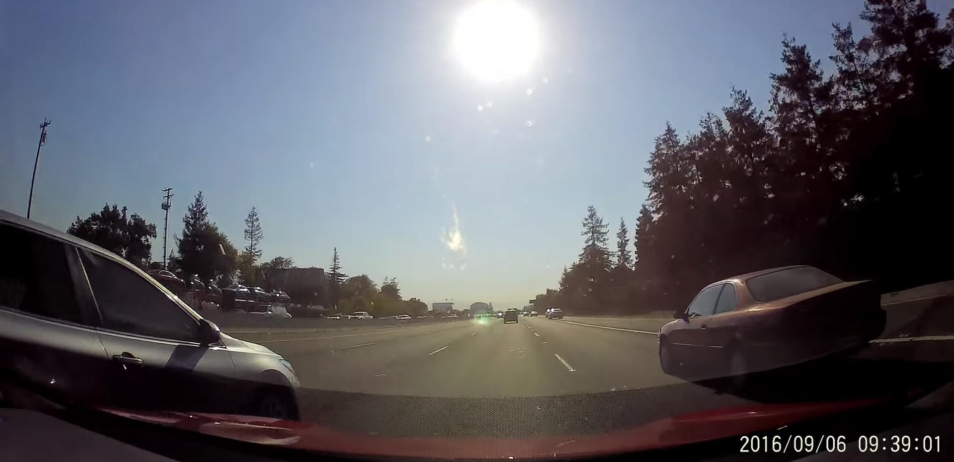 tesla-autopilot-avoids-collision-highway