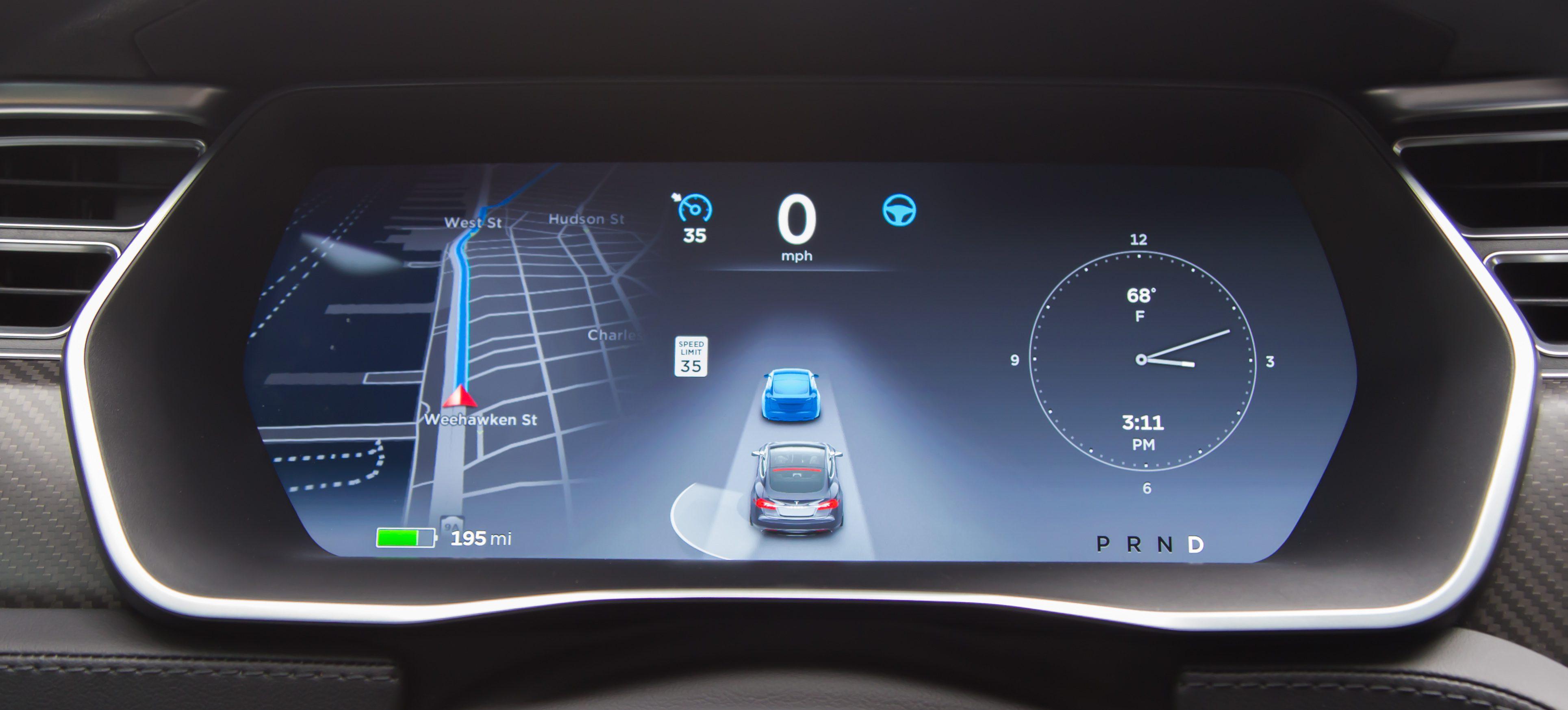 tesla-autopilot-tracking