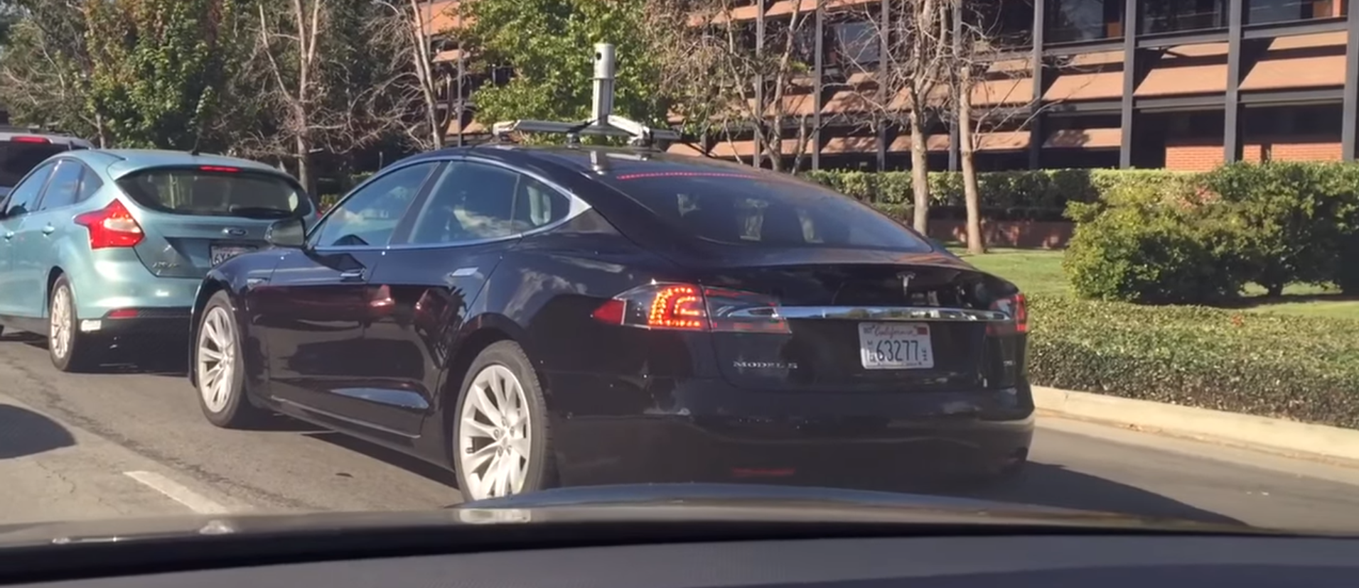 tesla-model-s-prototype-with-lidar-sensor