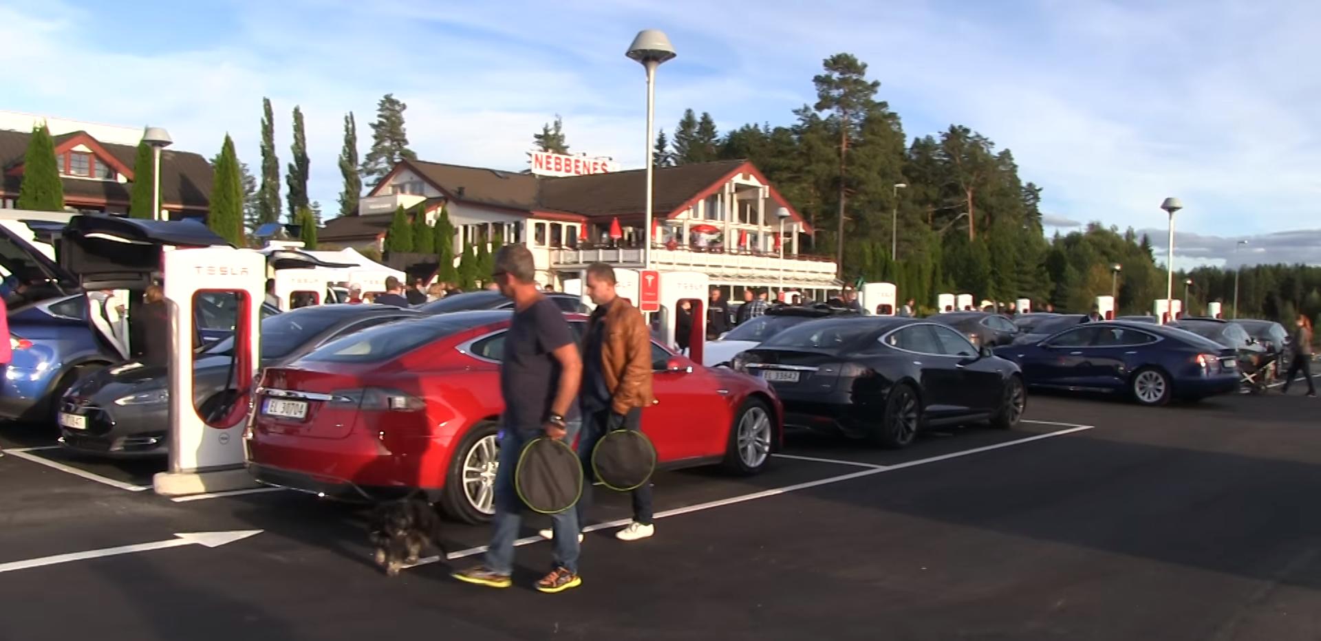 Tesla nebbenes supercharger