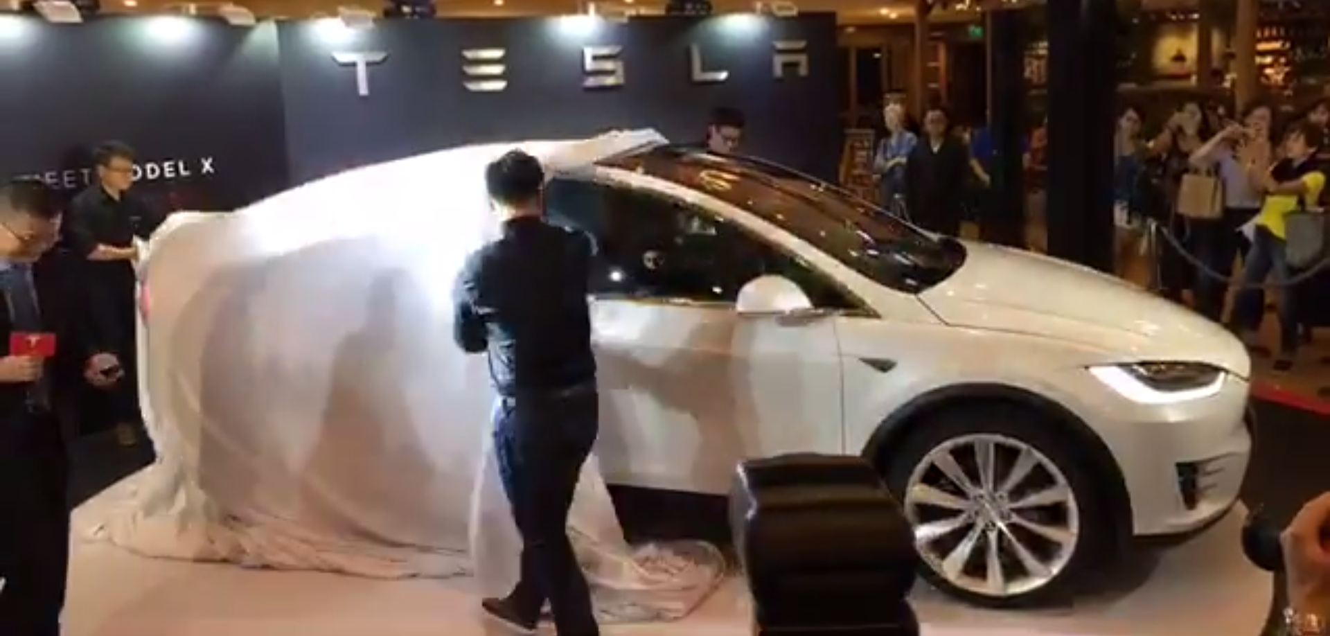 tesla-model-x-unveil-hk