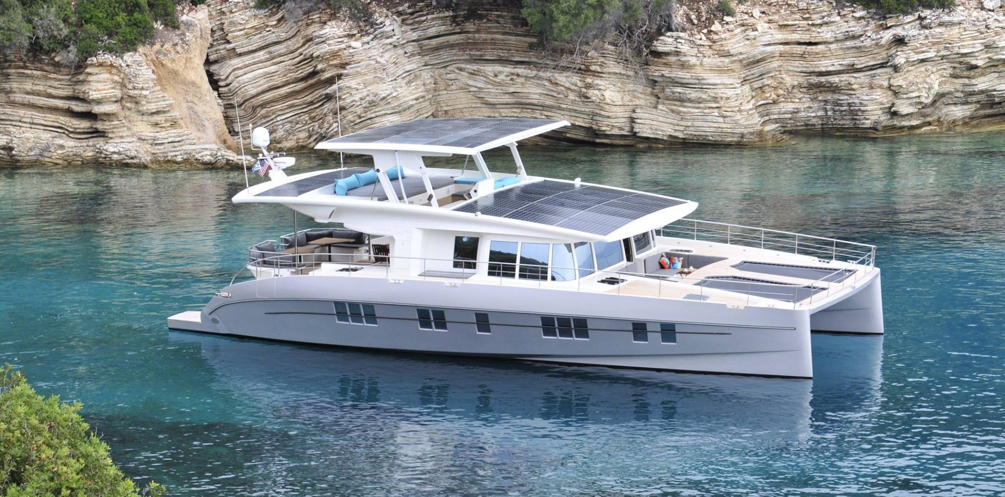 electric catamaran 1