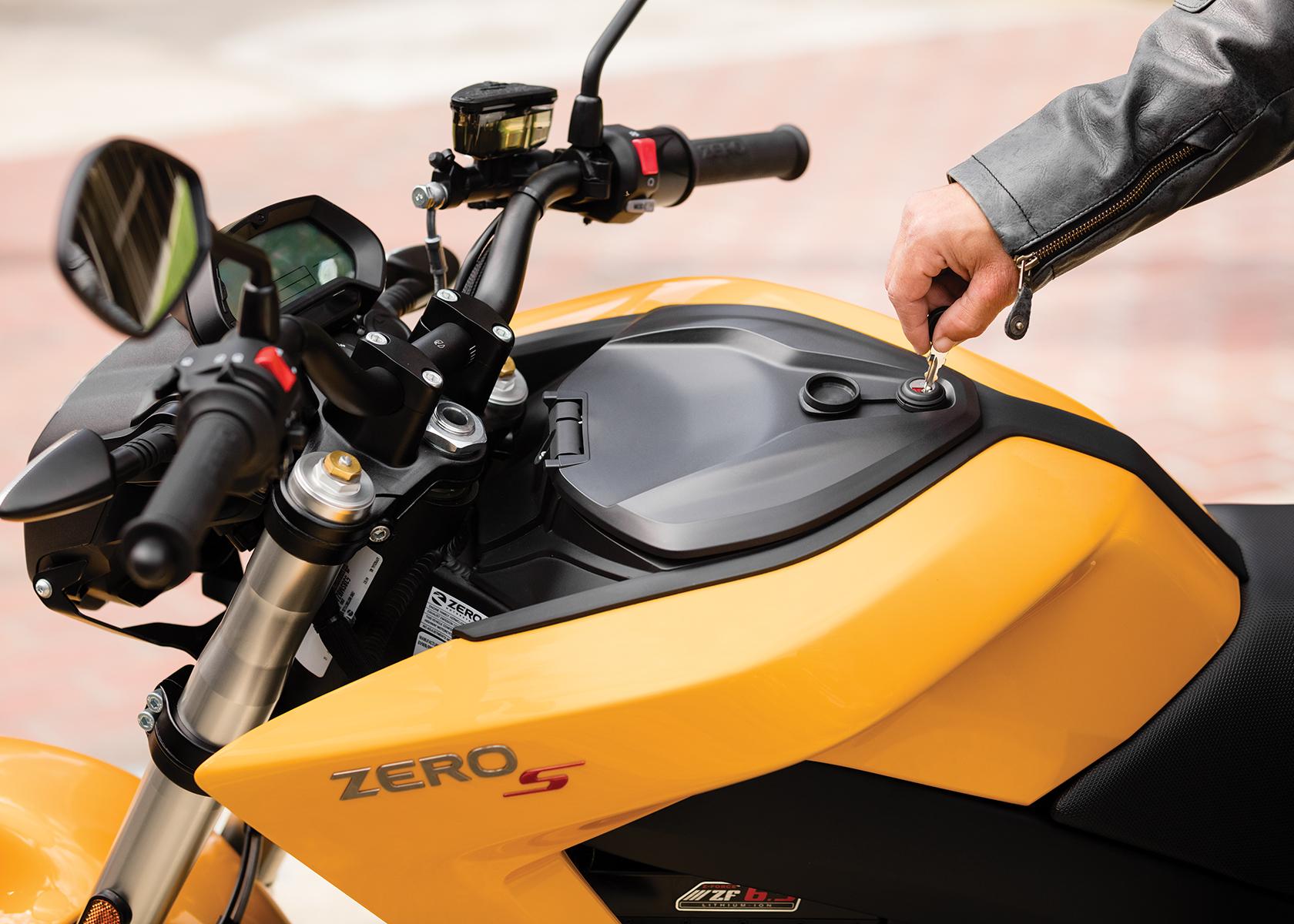 Zero S Streetfighter (2017) - MotorcycleSpecifications.com