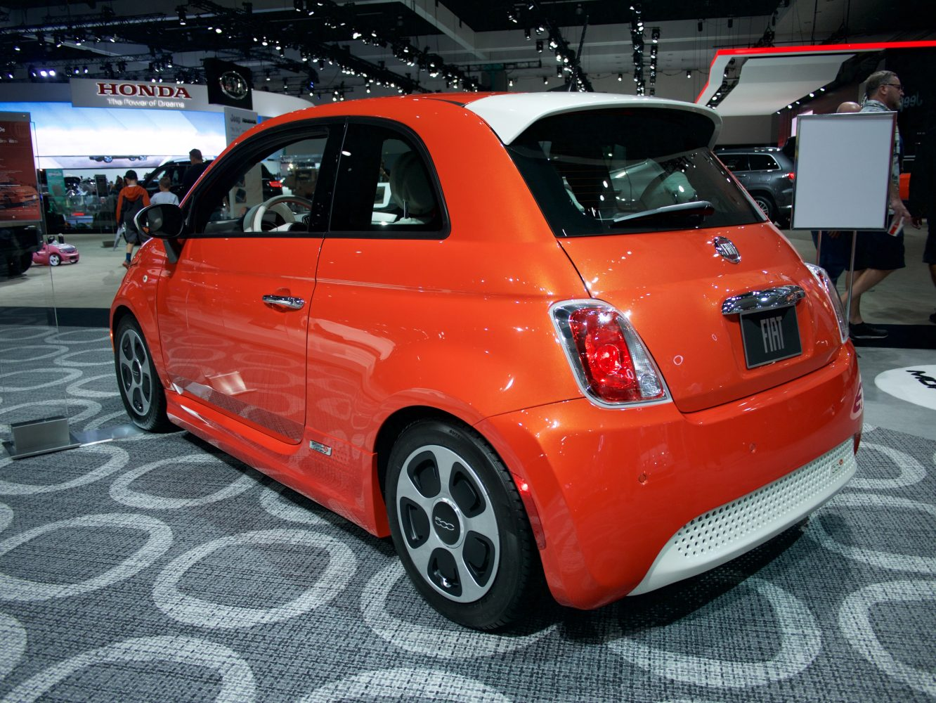 FCA investing $789 million in new assembly line to produce 80,000 electric Fiat 500s annually