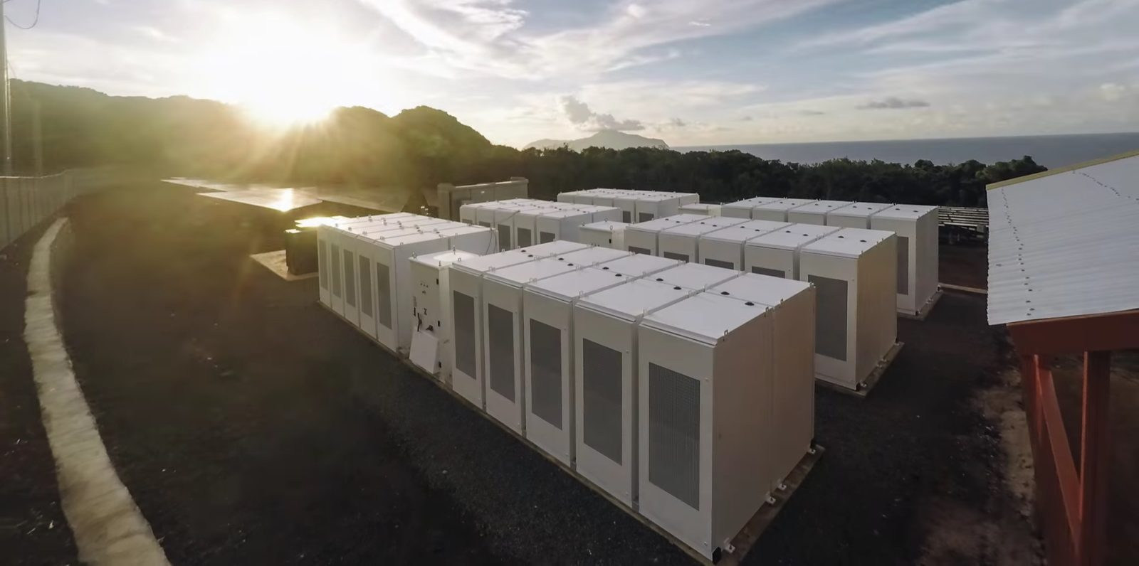 Tesla Deploys New Microgrid Projects With Powerpacks In