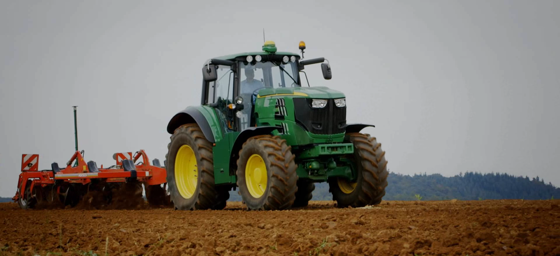 john deere unveils latest all electric tractor prototype for zero emission agriculture