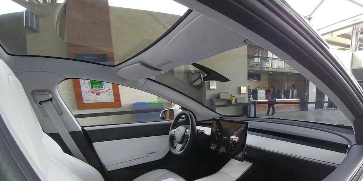 tesla-model-3-interior-daylight-3