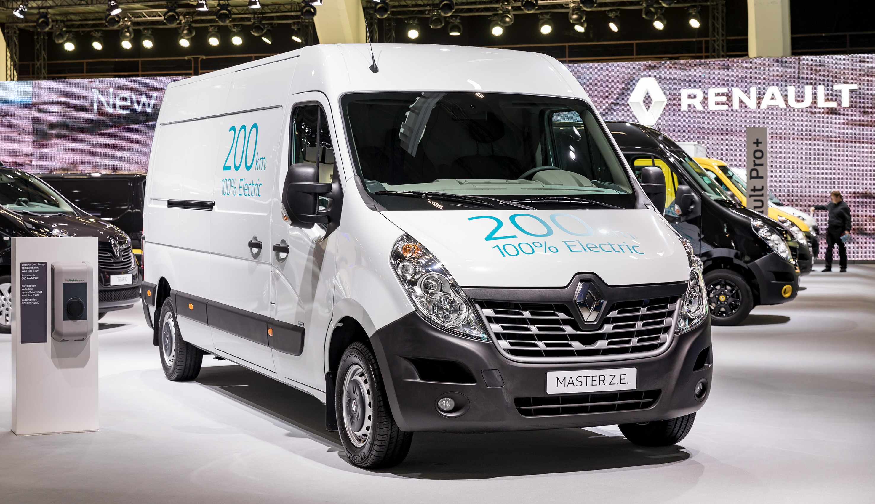 4eb93913e5 Renault expands its lineup of all-electric commercial vehicles ...