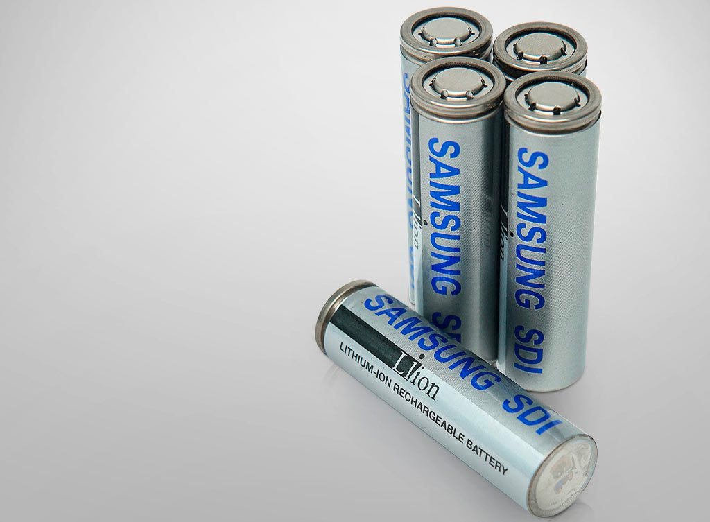 Battery Cell 2170 >> Samsung Unveils Its Own 2170 Battery Cell To Compete With Tesla
