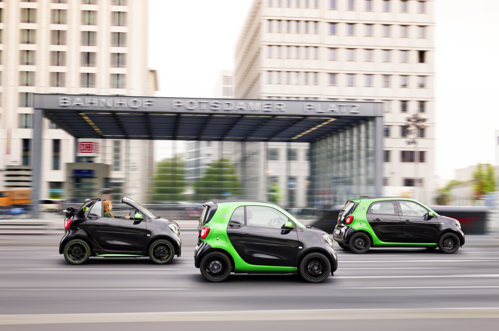 Daimler Is Converting Smart Brand To All Electric In North America No More Gas Ed Cars