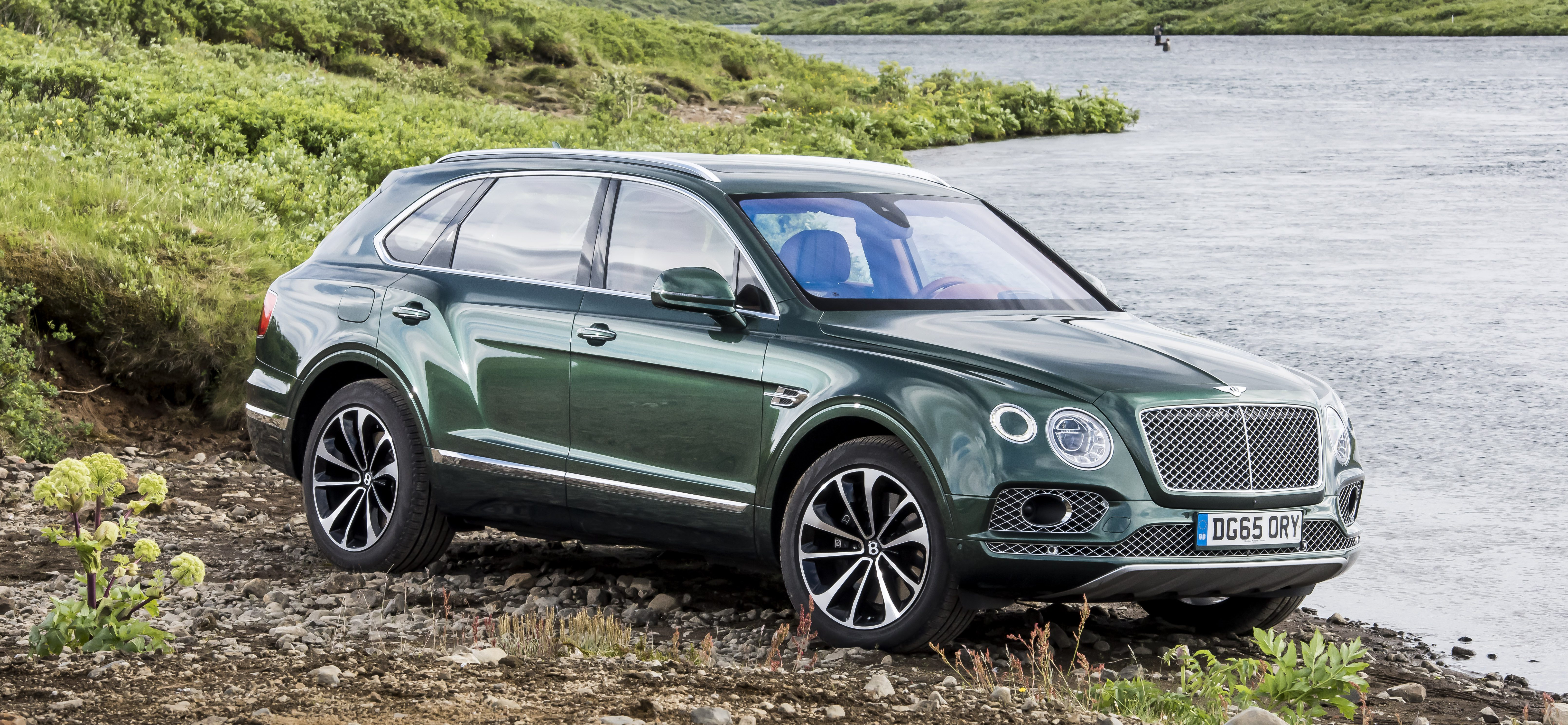 Bentley Bentayga, Iceland, July 2016 Photo James Lipman / jameslipman.com