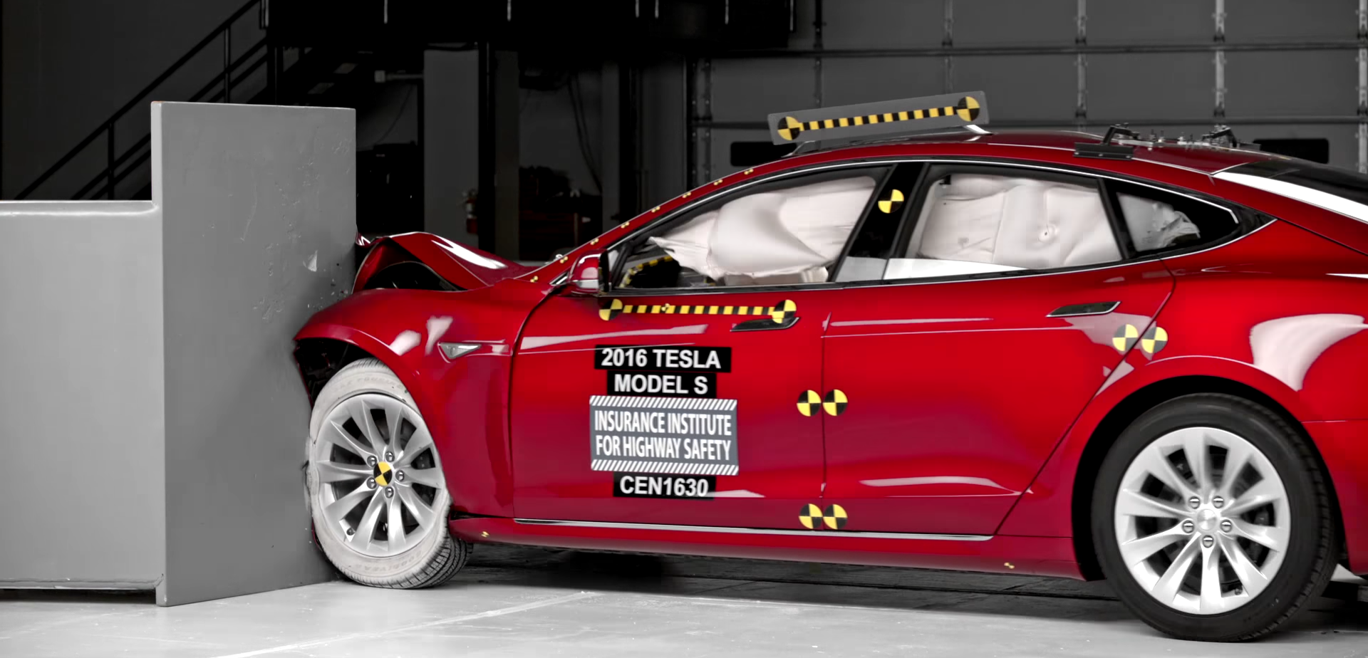 tesla-model-s-crash-test-iihs-1
