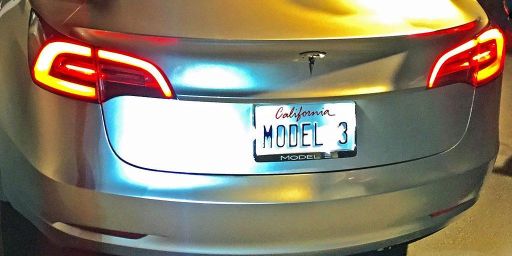 tesla_model_3_plate