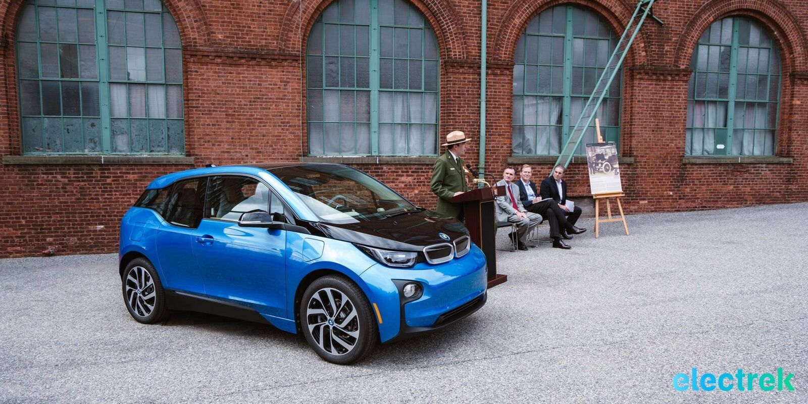 Bmw Puts 100 Ev Charging Stations At Us Parks Starting With Most Ironic One Ever