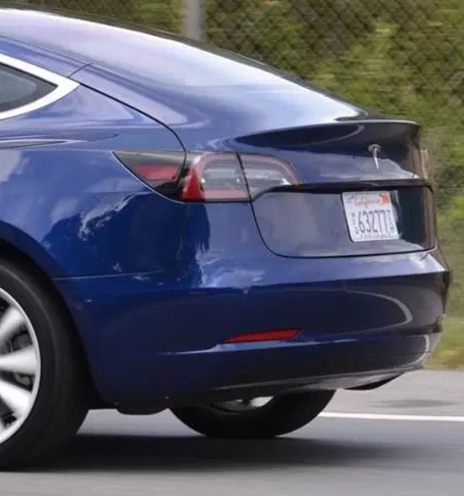 Tesla Model 3: updated version of the blue release candidate