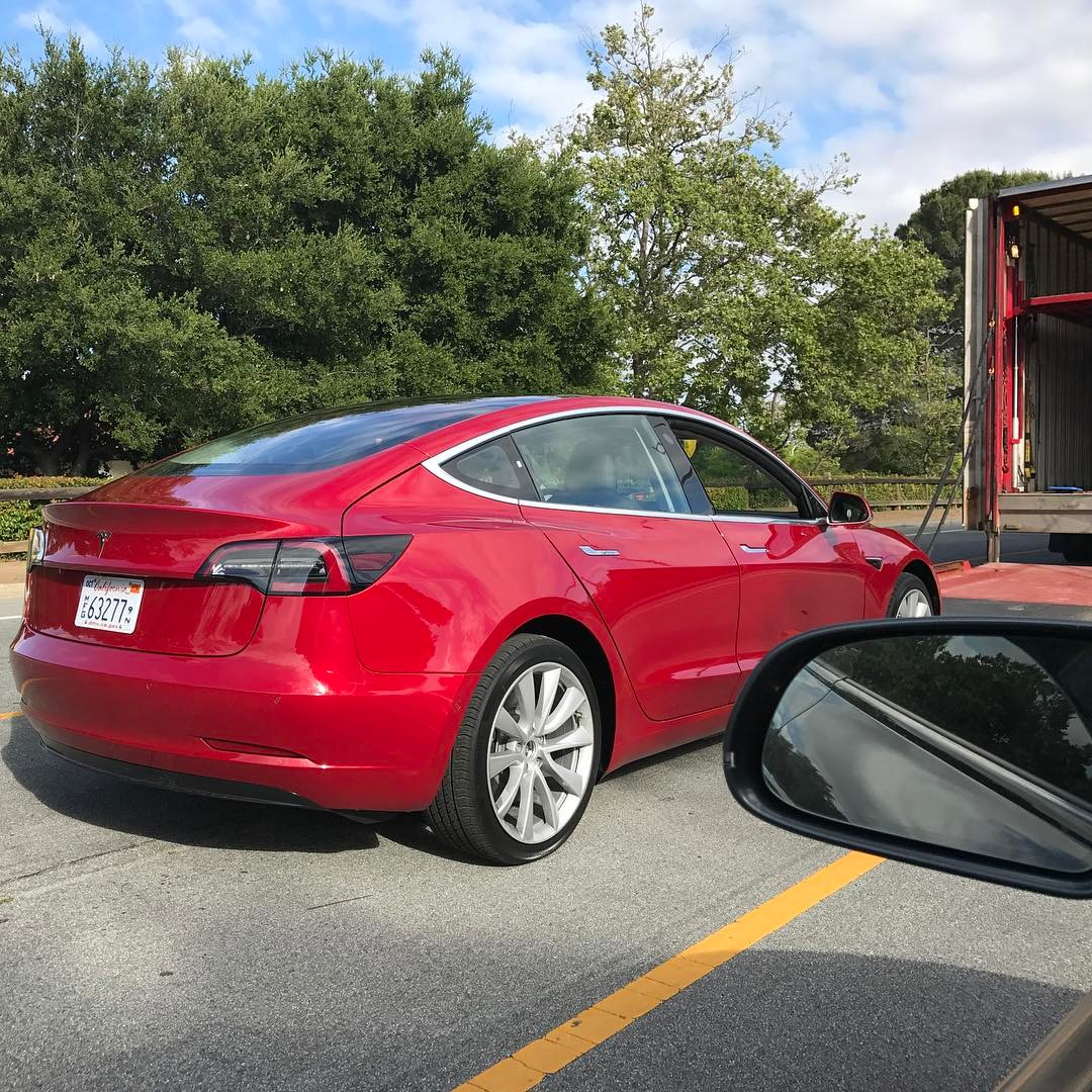 Tesla: Tesla Model 3: New Red Release Candidate Spotted At Tesla
